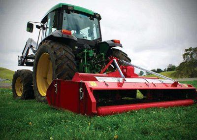 Rear roller ensures increased protection from scalping